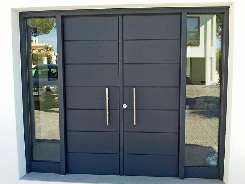 Puerta de exterior e interior carpinteria ebanisteria for Puertas de exterior